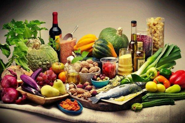 Средиземноморскую диету рекомендуют для защиты и лечения от депрессии