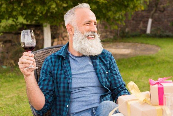 Алкоголь в умеренных количества может улучшить память и интеллект пожилых людей