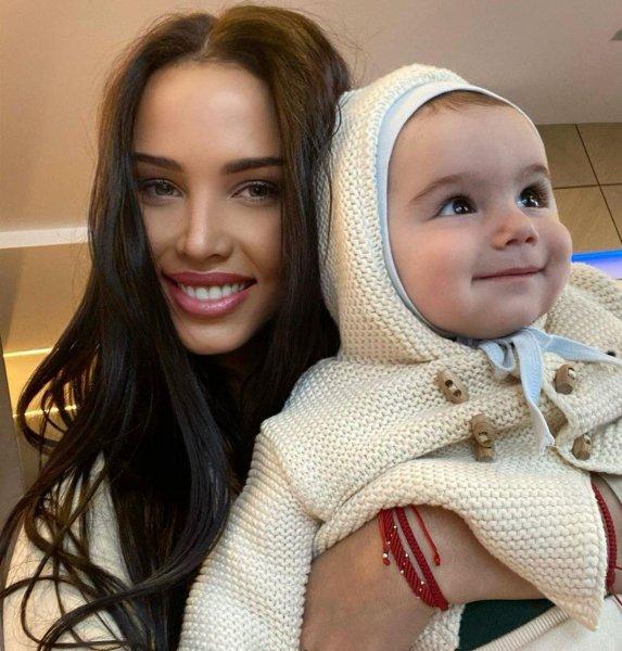 Решетова только учится быть матерью, иногда совершает ошибки, а лишняя порция критики от свекрови может только помешать; фото со страницы @volkonskaya.reshetova — Instagram