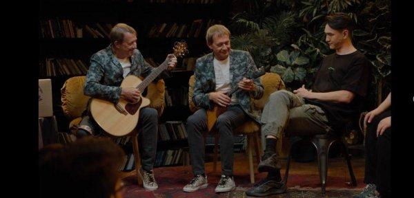 К братьям Пономаренко в шоу «Что было дальше?» проявили больше уважения – стула было уже два